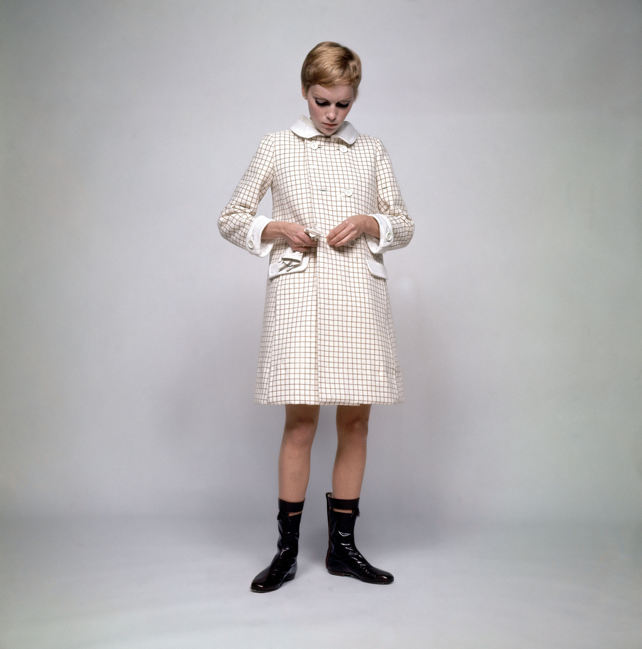 1967 Mia Farrow in Courreges